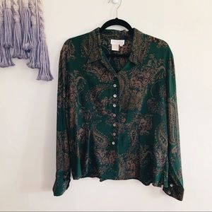 Vintage • 100% silk button up blouse paisley print